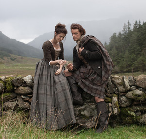 Outlander Reviews: Favorite picture of Claire and Jamie