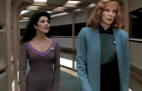 Troi reassures Beverly